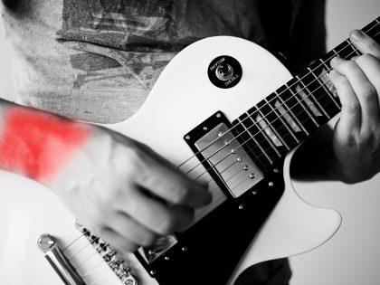 Prevenção de lesões ao tocar guitarra